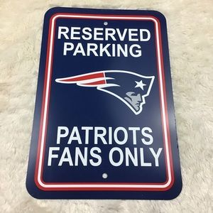 "Large 12""x18"" New England Patriots Plastic Sign"